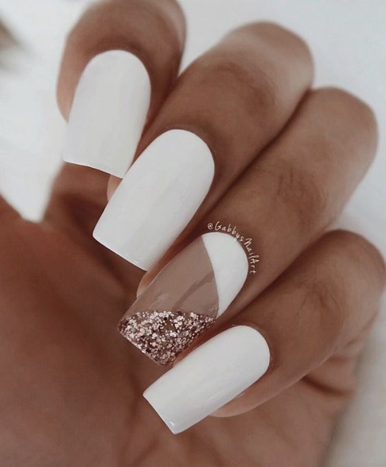 manucure hiver blanche